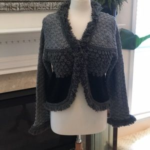 NWT Beautiful Gray and Black Sweater by Kalyn's